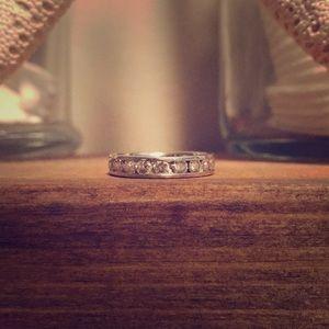Jewelry - 10 ct. white gold and diamond ring